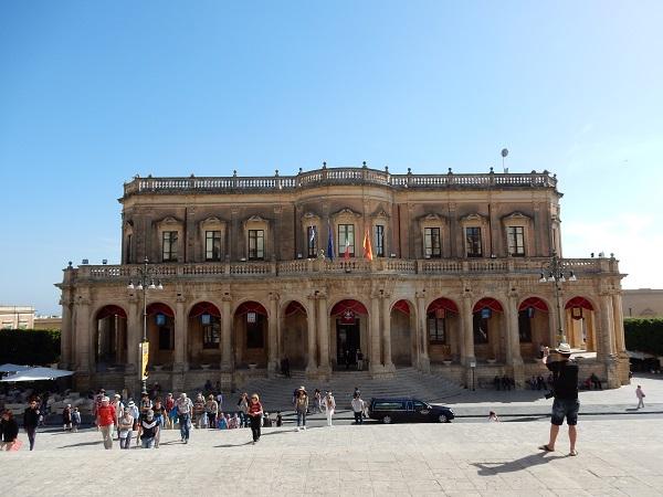 Noto-Palazzo-Municipio (1)
