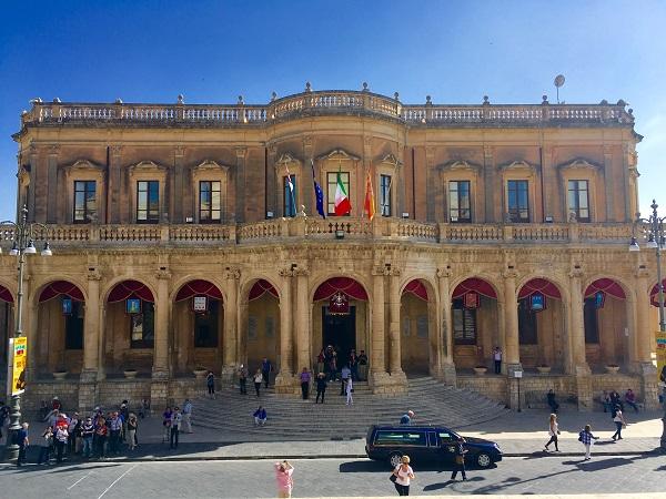 Noto-Palazzo-Municipio (2)