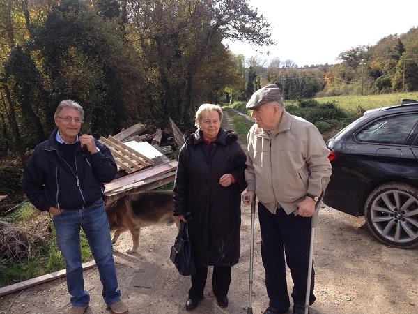 Oorspronkelijke bewoners la famiglia Caverni komen op bouwbezoek