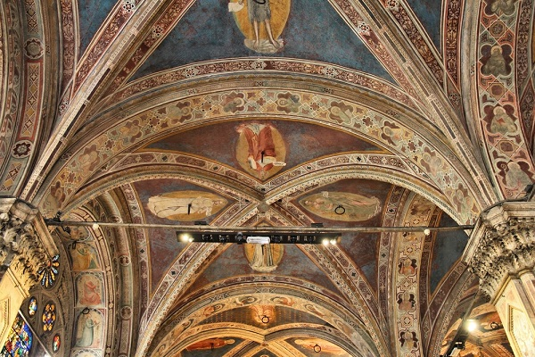 Orsanmichele-Florence-kerk-interieur (3)