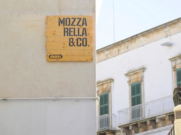 Ostuni-Piazza-Liberta-Mozzarella-Co (1)