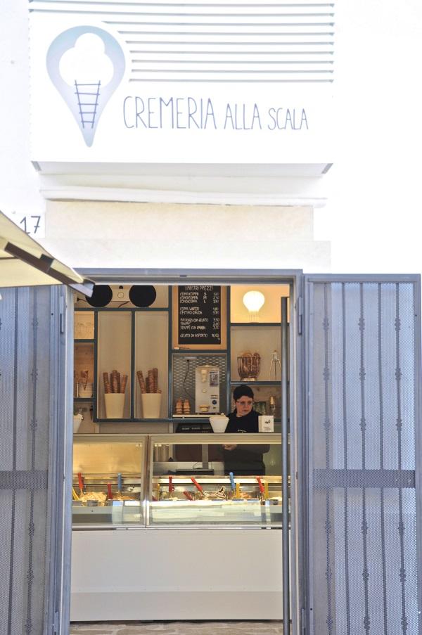 Ostuni-Piazza-Liberta-ijs