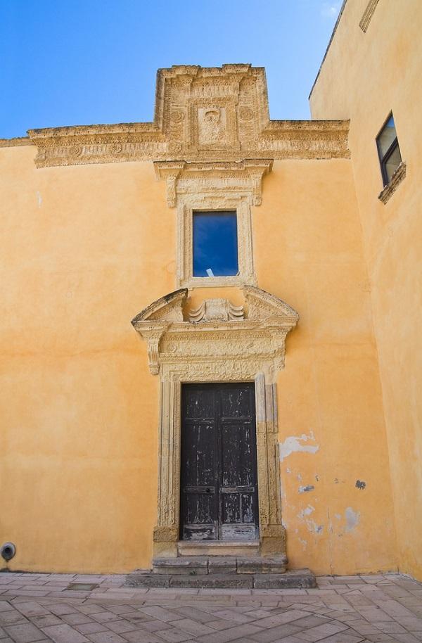 Palazzo-Ducale-Piazza-del-Popolo-Presicce-Puglia (2)