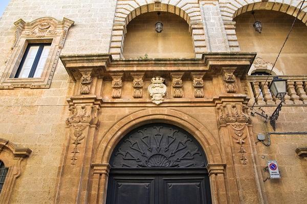 Palazzo-Villani-Presicce-Puglia (1)