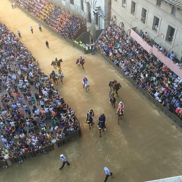 Palio-Tours-prova-palazzo-Piazza-del-Campo (3)