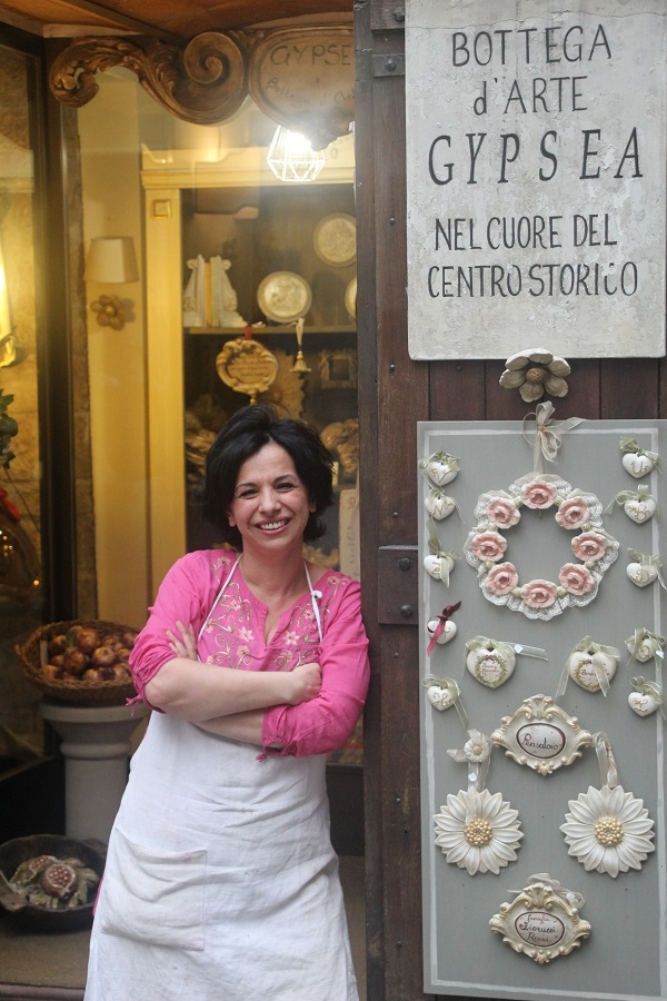 Patrizia-Gubbio-gips-Italian-Stories (1)
