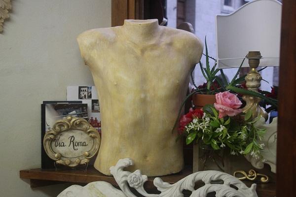 Patrizia-Gubbio-gips-Italian-Stories (5)