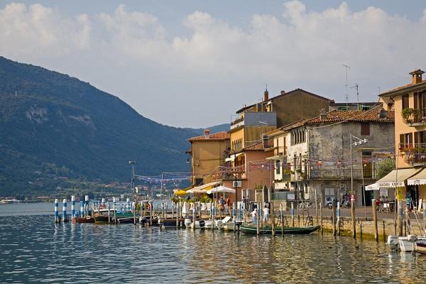 Peschiera-Maraglio-Lago-Iseo-meer (2)