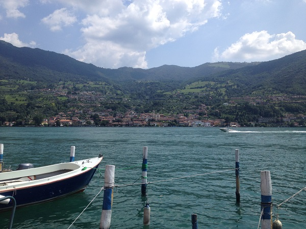 Peschiera-Sulzano-Christo-Lago-Iseo-meer