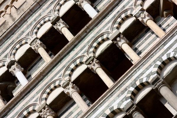Piazza-Duomo-Pistoia (4)