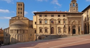 Piazza-Grande-Arezzo (3)