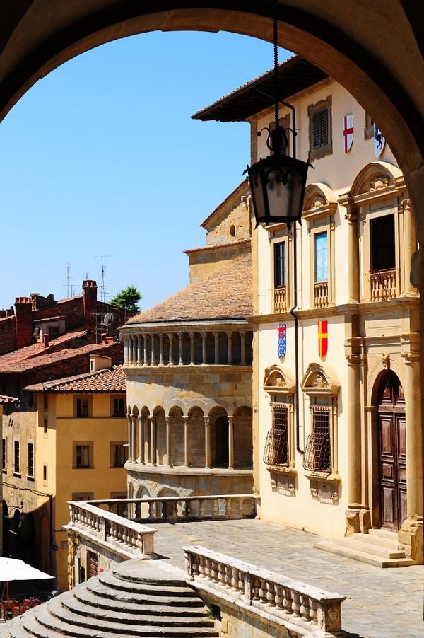 Piazza-Grande-Arezzo (5)