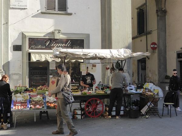 Piazza-San-Pier-Maggiore-Florence (1)