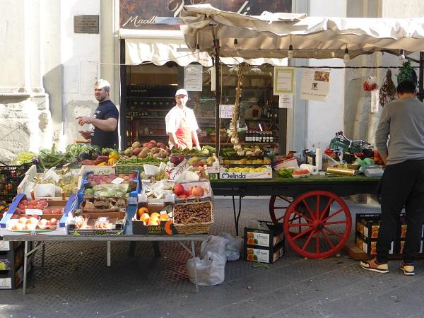 Piazza-San-Pier-Maggiore-Florence (2)