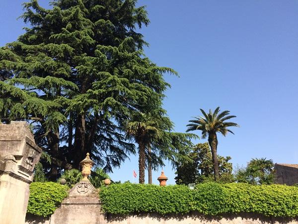 Piazza-dei-Cavalieri-di-Malta-Aventijn-Rome (1)