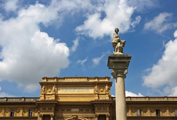 Piazza-della-Repubblica-Florence (2)