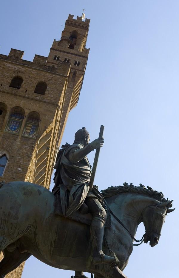 Piazza-della-Signoria-Florence-Cosimo-paard-Giambologna (1)