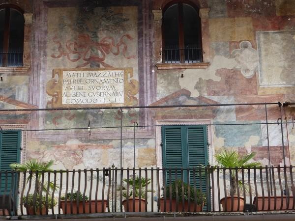 Piazza-delle-Erbe-Verona (6)