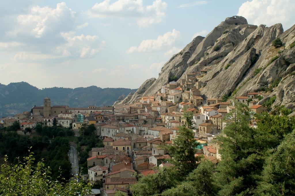 Pietrapertosa (1000 m) - Basilicata