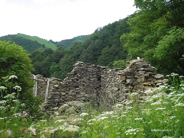 Poilarocca-ruïne-gezinshuis