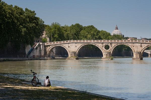 Ponte-Sisto-Tiber-Rome