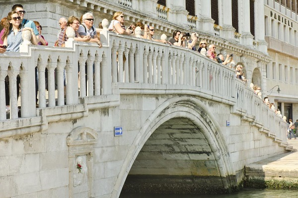 Ponte-dei-Sospiri-Brug-der-Zuchten-Venetië (8)