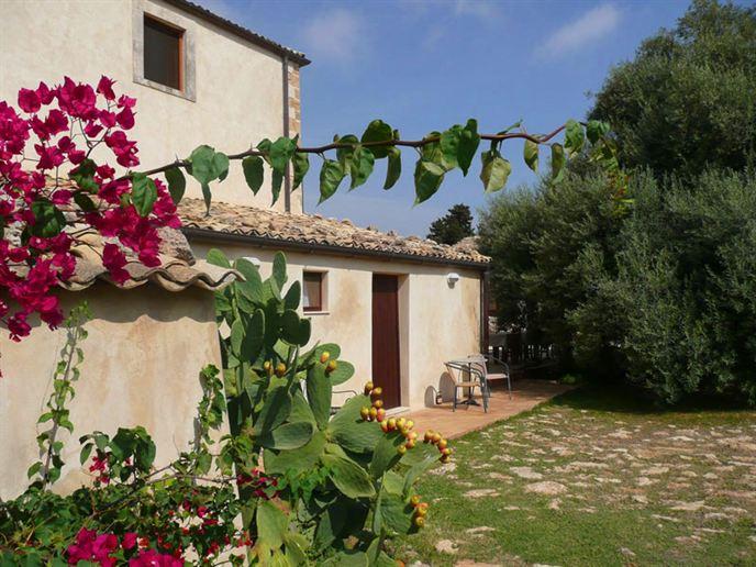 Pozzo-di-Mazza-Sicilie-Eliza-was-here-3