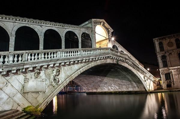 Rialto-brug-Venetie (3)