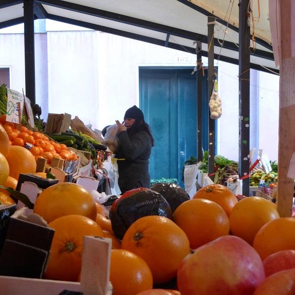 Rialto-markt-Venetië-vis-groente (15)