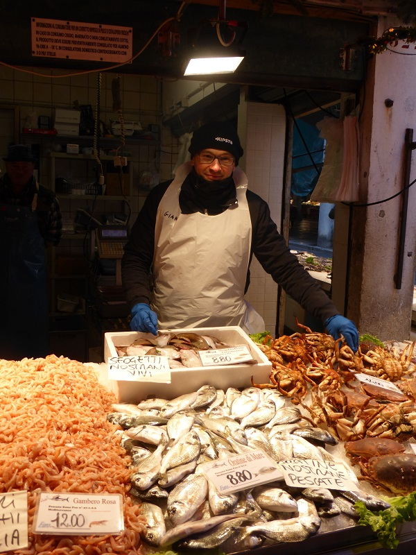 Rialto-markt-Venetië-vis-groente (3)
