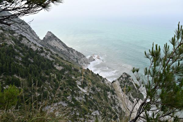 Riviera-del-Coner-Le-Marche (1)