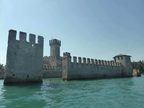Rocca-Scaligera-Sirmione-Gardameer (2)