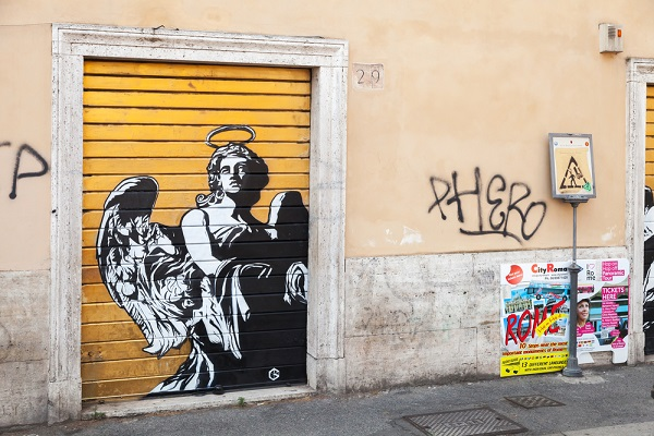 Rome-graffiti-engel-Bernini