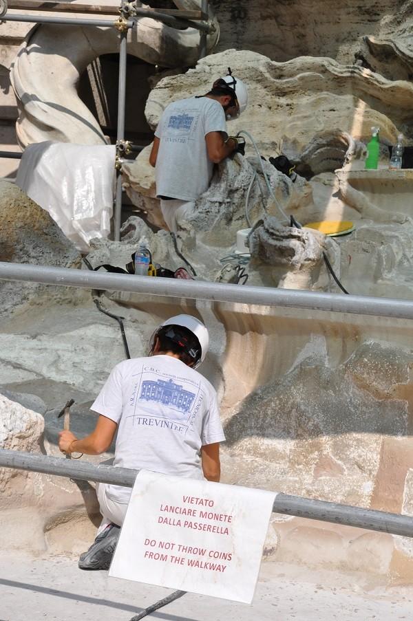 Rome-restauratie-Trevi-fontein-loopbrug (1)