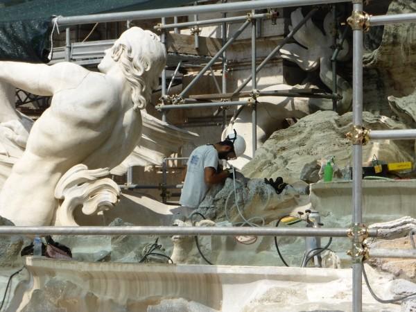 Rome-restauratie-Trevi-fontein-loopbrug (10)