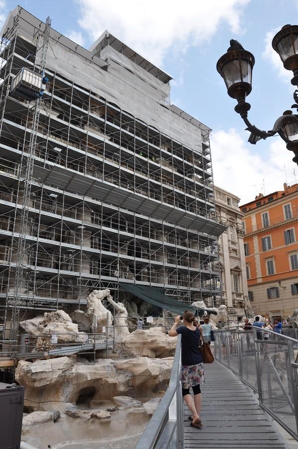 Rome-restauratie-Trevi-fontein-loopbrug (3)