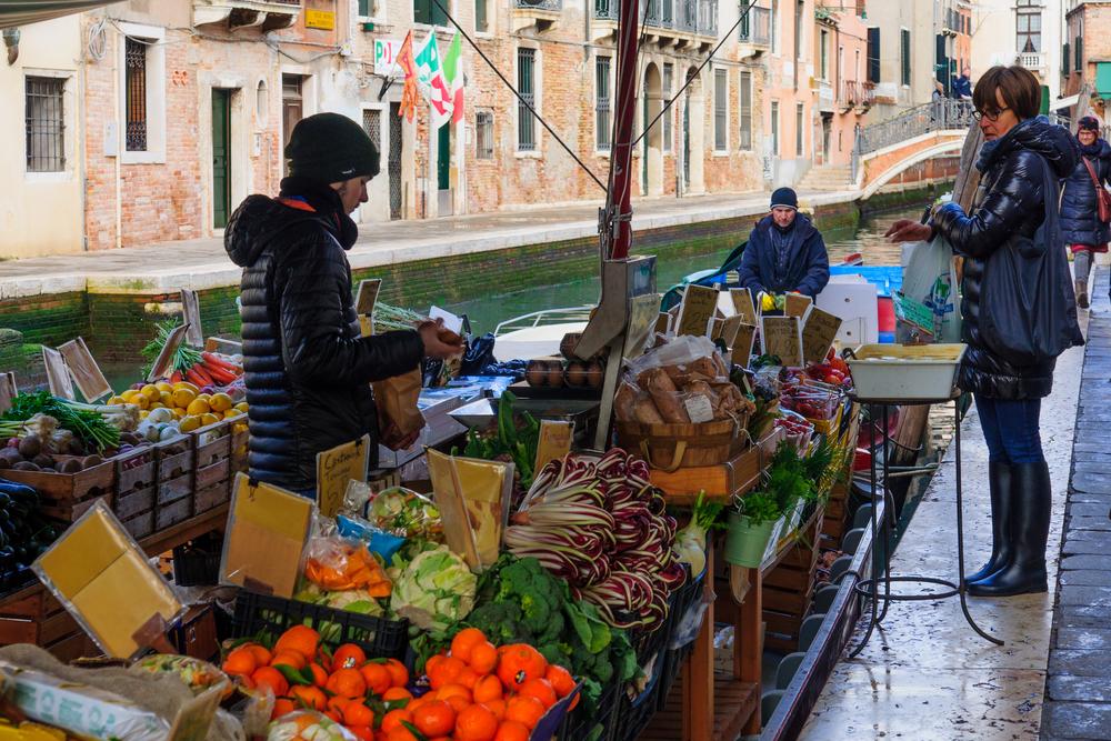 San-Barnaba-Venetie-groente-boot