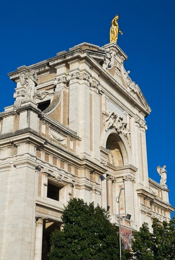 Santa-Maria-degli-Angeli-Assisi-Umbrie (3)