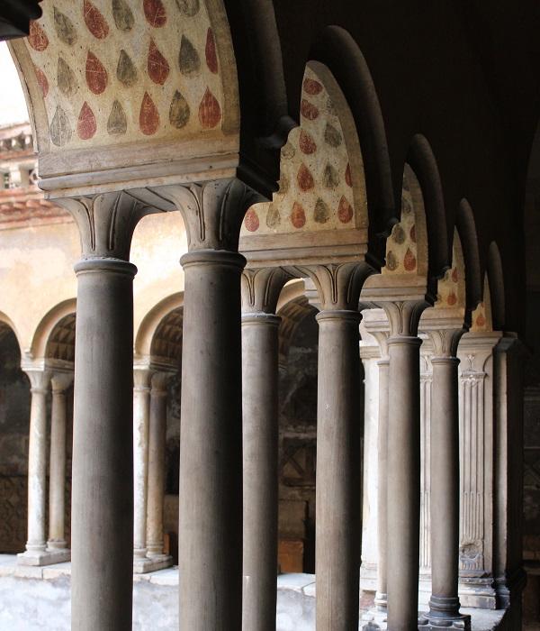 Santi-Quattro-Coronati-Rome (1)