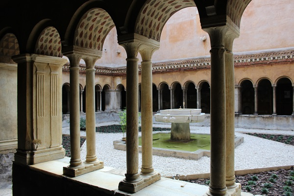 Santi-Quattro-Coronati-Rome (6)