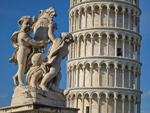Scheve-Toren-Campo-Miracoli-Pisa-Toscane (3)