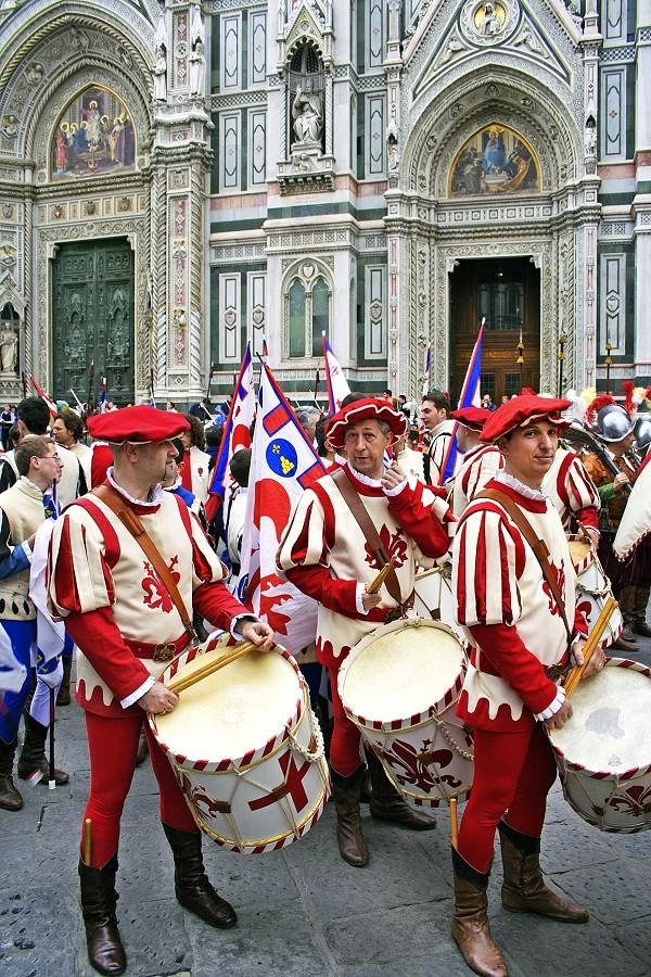 Scoppio-del-Carro-Florence-Pasen (3)