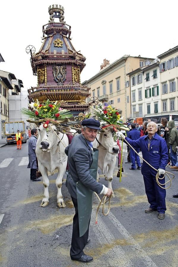 Scoppio-del-Carro-Florence-Pasen