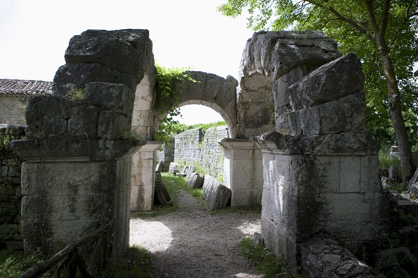 Sepino-Molise-Italië (1)