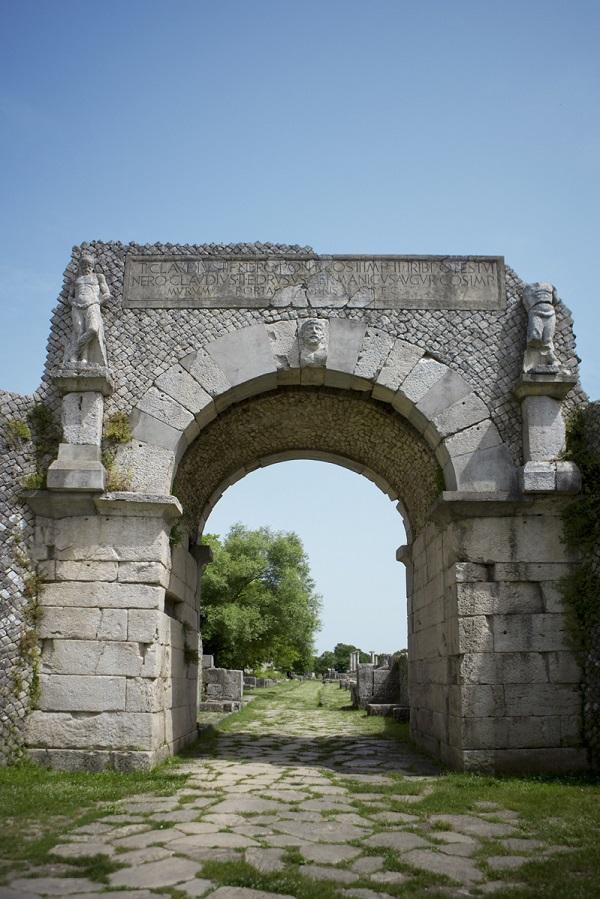 Sepino-Molise-Italië (4)