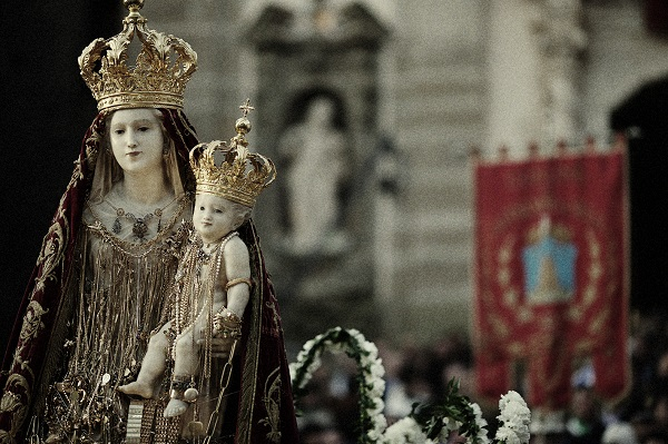 Sicilie-per-klassieker-Madonna