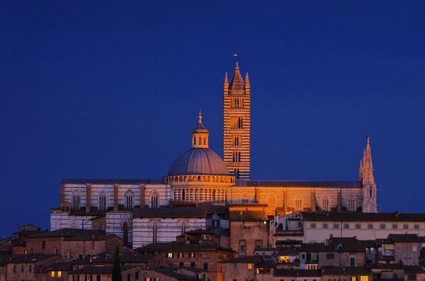 Siena-donker-night-nacht