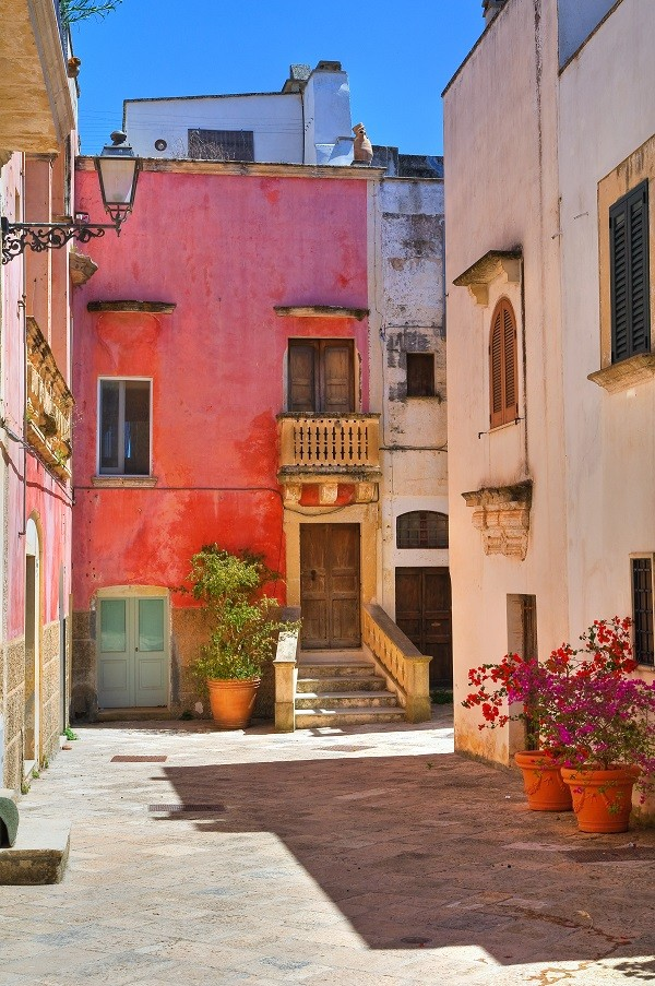 Alleyway. Specchia. Puglia. Italy.