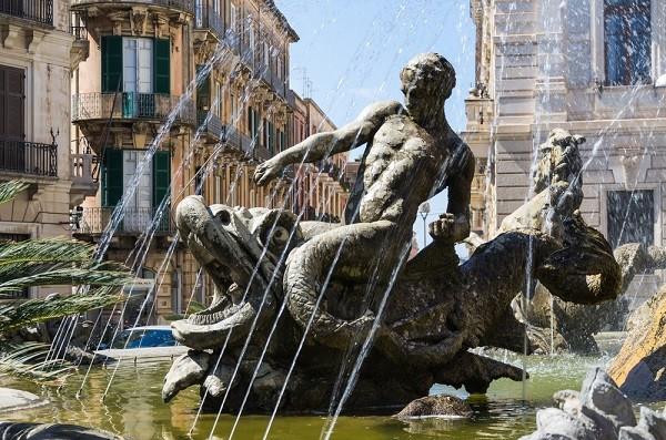 Syracuse-Fontana-Diana-fontein (8)