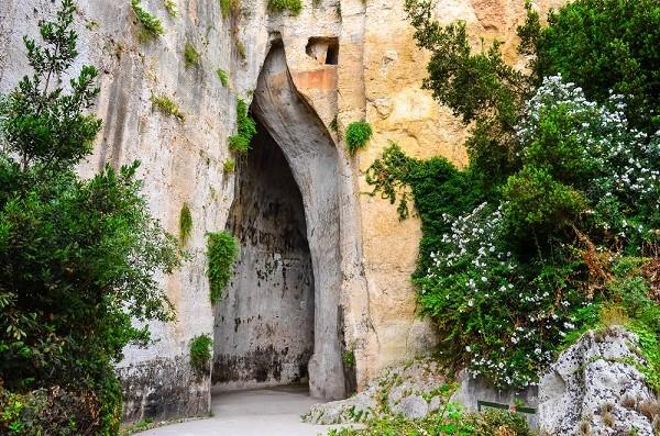 Syracuse-Sicilië-Oor-Dionysos (1)